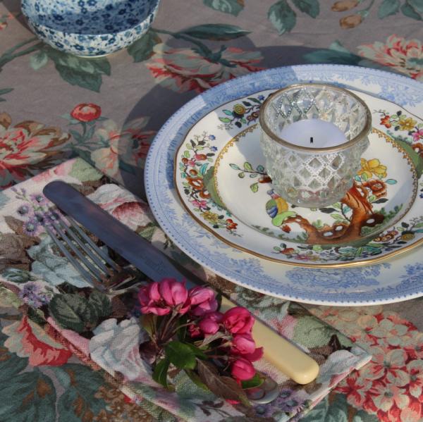 Vintage Crockery & Florals